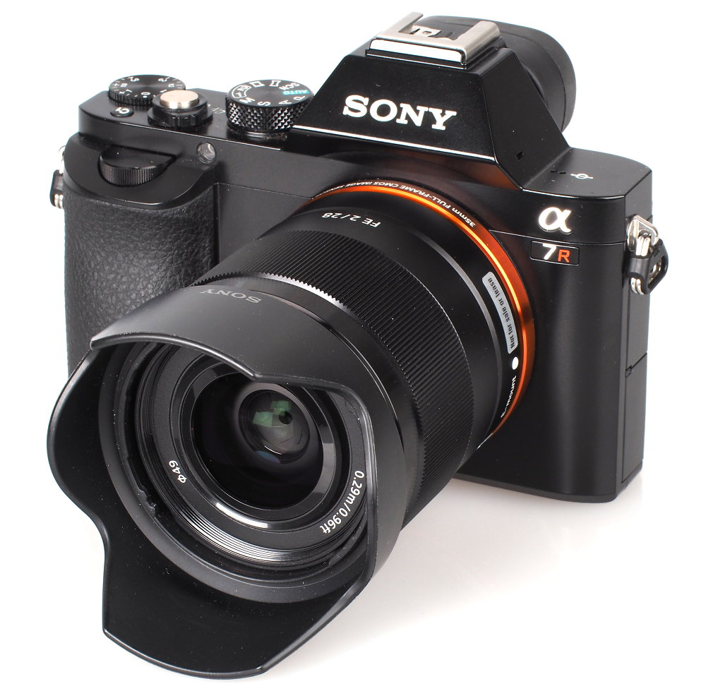 Sony-28mm-f2-0-lens with a7r