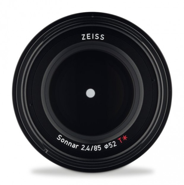 zeiss-loxia-85mm-f2-4