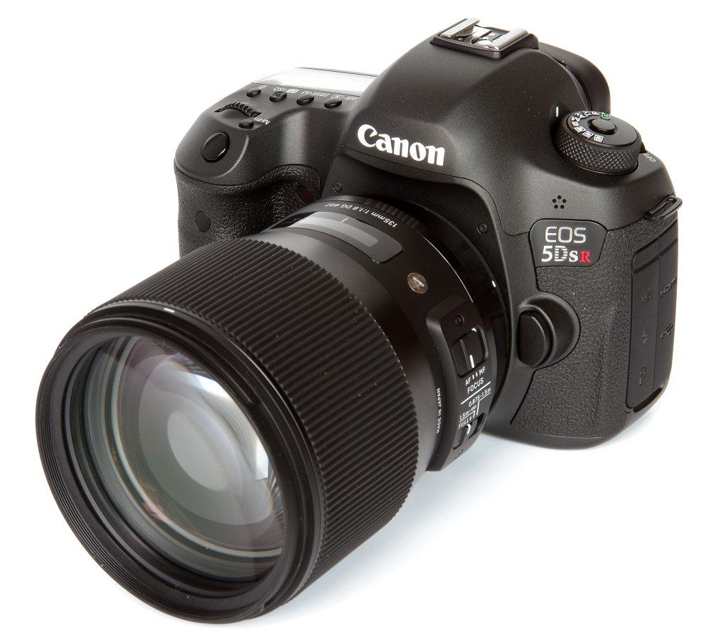 sigma_135mm_f18_art_on_canon_5d_sr