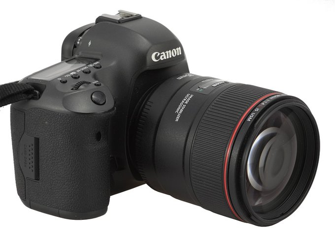 Canon 5D mark III and 85mm F1.4 IS lens