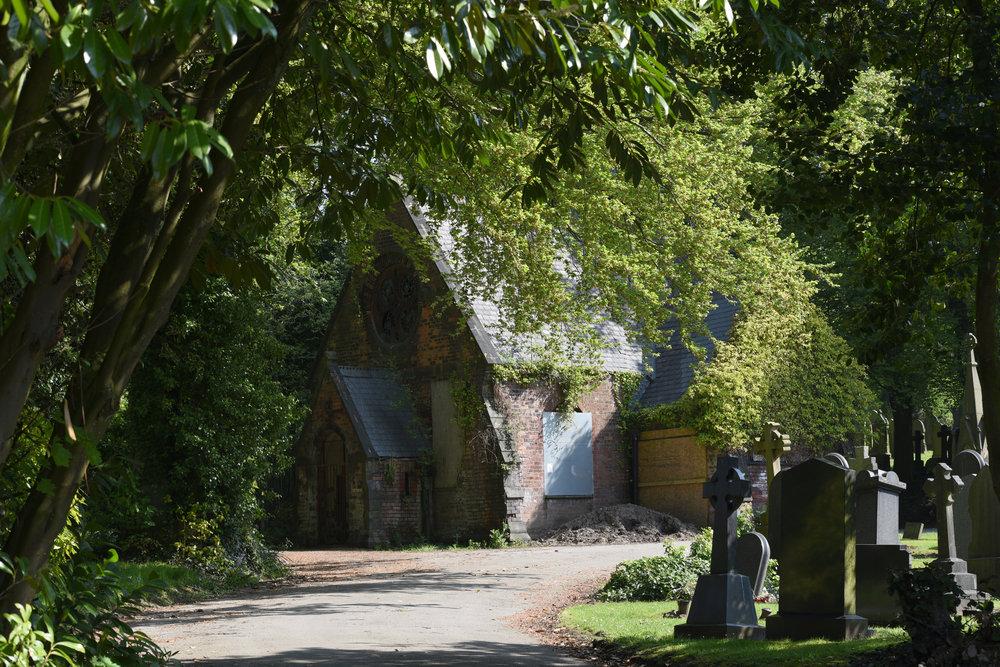 tamron_70-210mm_f4_derelict_chapel
