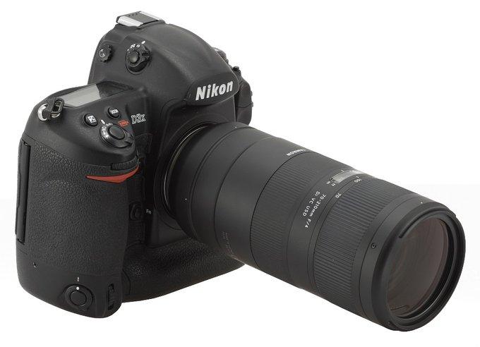 Nikon D3X with Tamron 70-210