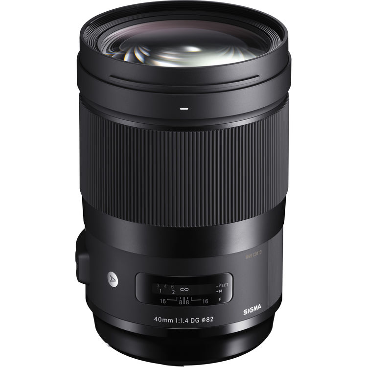 Sigma 40mm F1.4 DG Art lens