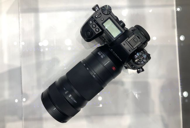 panasonic-s1-s-70-200mm-f-2.8-lens-1