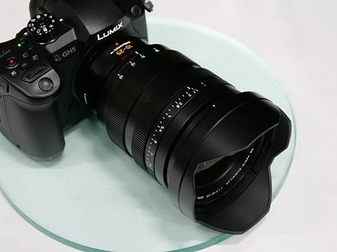 Panasonic Leica DG 10-25mm F1.7 lens1
