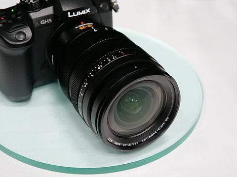Panasonic Leica DG 10-25mm F1.7 lens4