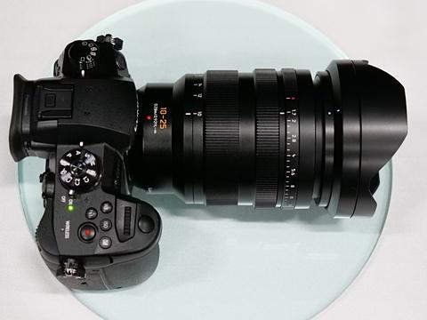 Panasonic Leica DG 10-25mm F1.7 lens5