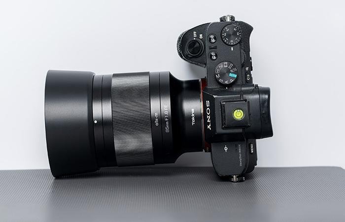 Tokina atx 85mm F1.8 FE lens